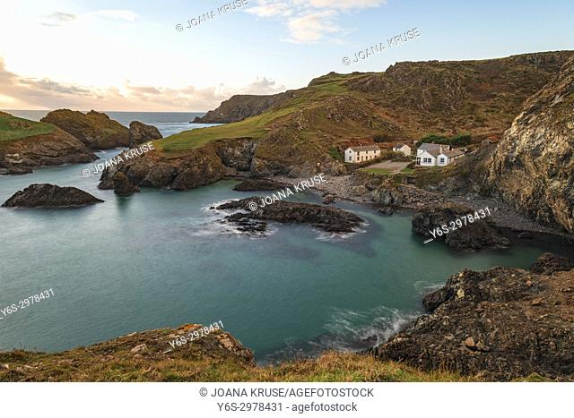 Kynance Cove, Lizard Peninsula, Cornwall, England, UK