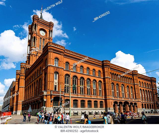 Rotes Rathaus, Red City Hall, red brick building, Berlin-Mitte, Berlin, Germany