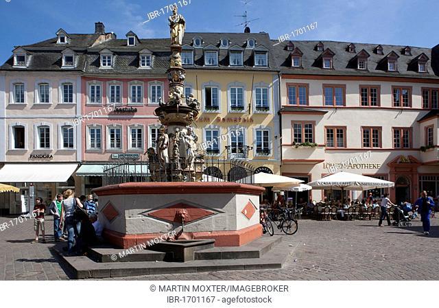 Petrusbrunnen fountain, Hauptmarkt square, Trier, Rhineland-Palatinate, Germany, Europe
