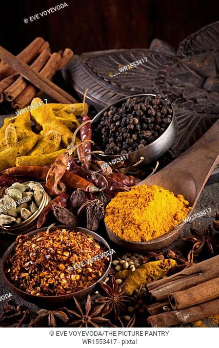 Indian spices/ Chili Flakes, Turmeric, Chili , Cardamom, Star Anise, Black Pepper