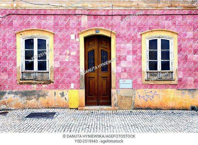 Europe, Portugal, Algarve, Faro district, Silves, former capital of Algarve, facade of traditional Portuguese townhouse