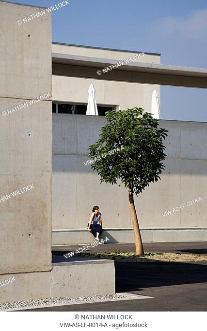 PARC ESPORTIU LLOBREGAT, AV. BAIX LLOBREGAT, S/N, BARCELONA, SPAIN, ALVARO SIZA, EXTERIOR, CAFE'S TERRACE WITH SITTER AND TREE
