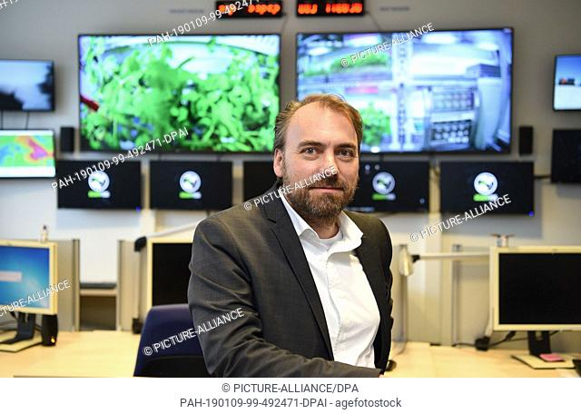 09 January 2019, Bremen: Daniel Schubert, Team Leader of the EDEN Initiative, sits in the control room of the German Aerospace Center (Deutsches Zentrum für...
