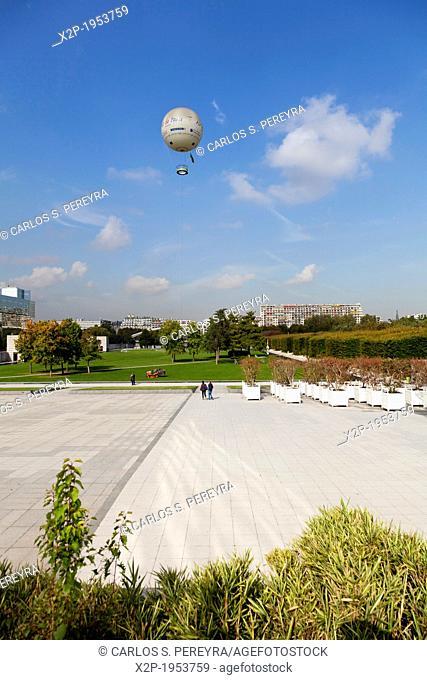 Park Andre Citroen in the riverside of Seine River, Paris, Ile de France, France, Europe