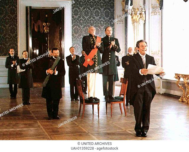 Schwarze Augen, Oci Ciornie, Schwarze Augen, Oci Ciornie, Marcello Mastroianni Romano (Marcello Mastroianni, r) reist seiner geliebten Anna unter...