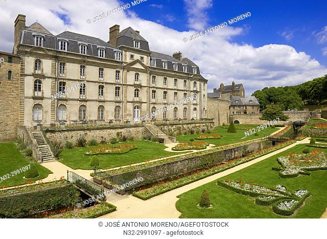 Vannes, Hermine Castle, Morbihan, Bretagne, Brittany, France, Europe