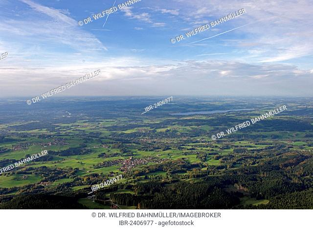 From Mt. Hochries to Mt. Samerberg and the Alpine foothils with Lake Simssee, Chiemgau, Upper Bavaria, Bavaria, Germany, Europe