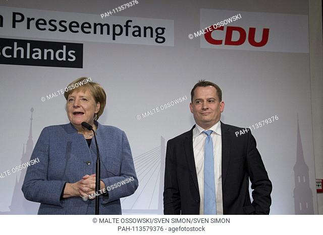 Angela MERKEL, Federal Chancellor and CDU President, Roland HEINTZE, Chairman of the CDU Hamburg, Press Reception in the Kaispeicher, 06.12