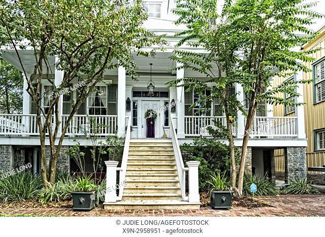 New Orleans, LA, Garden District. Beautiful Garden District Large Home