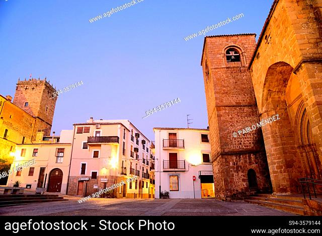 San Nicolas square: Palace of the Marquess of Mirabel and church of San Nicolas, Plasencia, Caceres, Spain