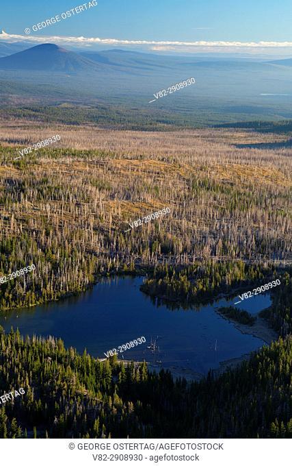 Little Three Creek Lake from Tam McArthur Rim Trail, Three Sisters Wilderness, Deschutes National Forest, Oregon