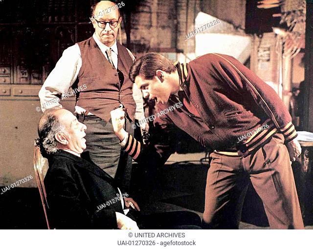 Sein Grosser Auftritt, Enter Laughing, Sein Grosser Auftritt, Enter Laughing, Mr.Marlowe (Jose Ferrer, l), Pike (Richard Deakon)