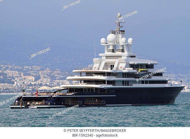 Motor yacht Luna, Lloyd shipyard, length 115 m, built in 2010, lying off Antibes, Département Alpes Maritimes, Région Provence Alpes Côte d'Azur, France, Europe