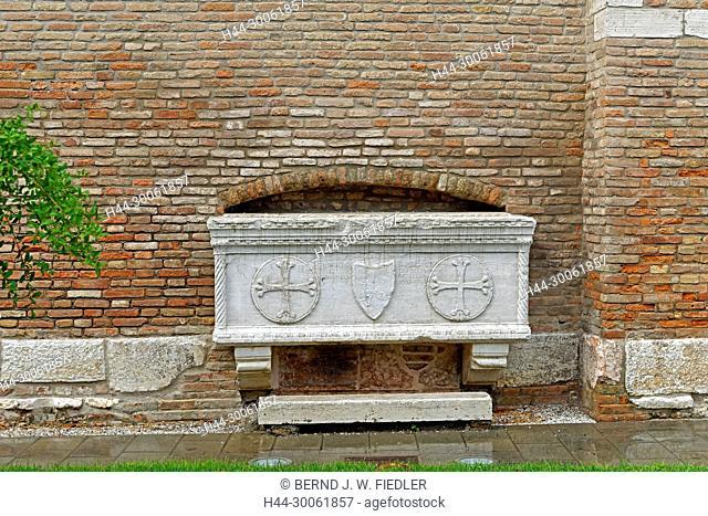 Europe, Italy, Veneto Veneto, Chioggia, Piazzale Perotolo, sarcophagus, rain, detail, building, church, historically, plants, place of interest, tourism, water