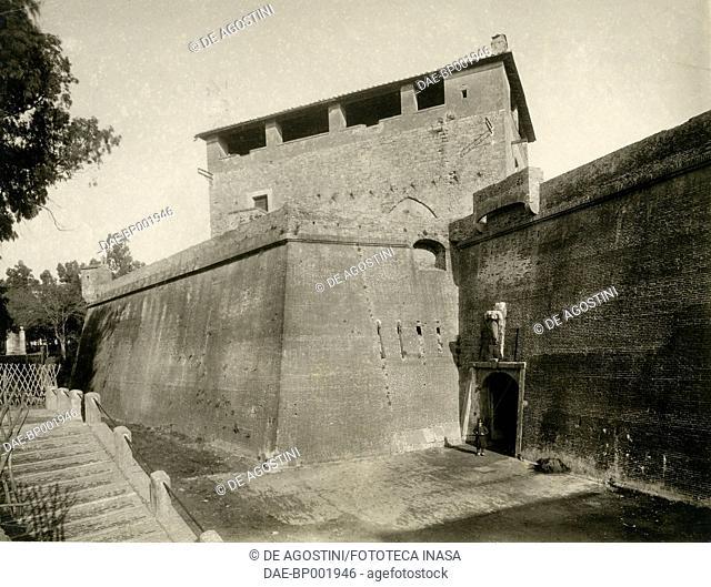 Bastion fortress, Grosseto, Tuscany, Italy, photograph by Istituto Italiano d'Arti Grafiche, Bergamo, ca 1905-1910