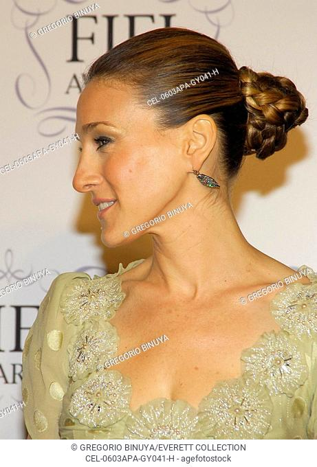 Sarah Jessica Parker, at arrivals for The 34th Annual FiFi Awards by The Fragrance Foundation, The Hammerstein Ballroom, New York, NY, April 3, 2006