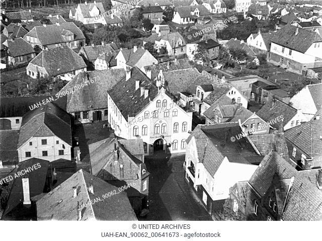 Germany - Bird`s view of Husum, Schleswig Holstein, 10/1933, I.12/25-14 Husum