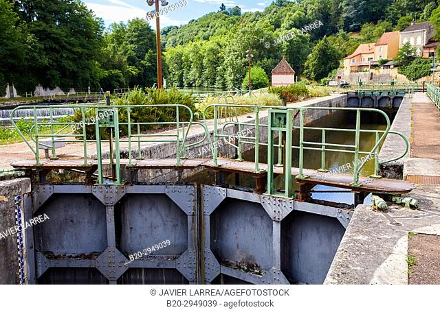 floodgate, Canal of Nivernais, Clamecy, Nievre, Bourgogne, Burgundy, France, Europe