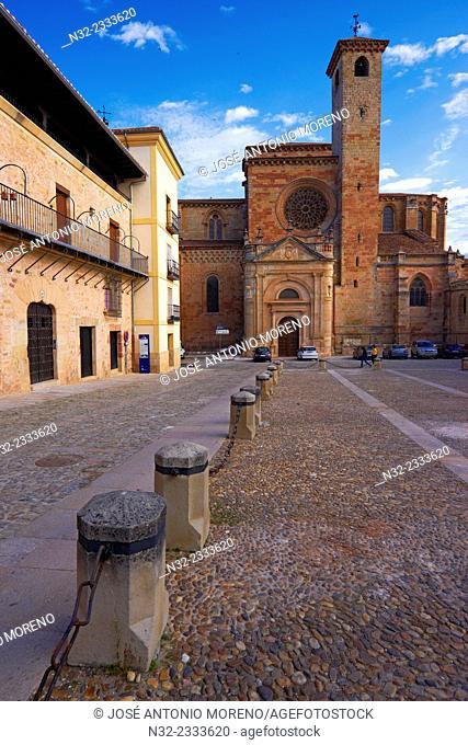 Cathedral, Siguenza, Main Square, Guadalajara province, Castilla-La Mancha, Spain