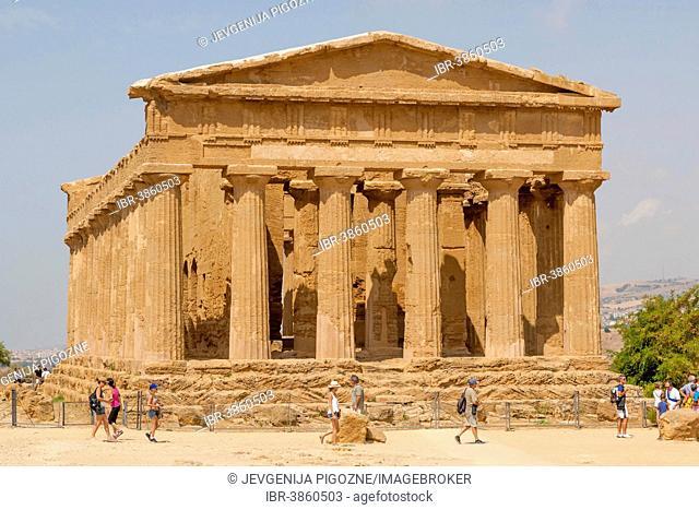 The Temple of Concordia or Harmonia, Akragas, Valle dei Templi, Valley of the Temples, or Vaddi di li Tempri, Agrigento, Sicily, Italy