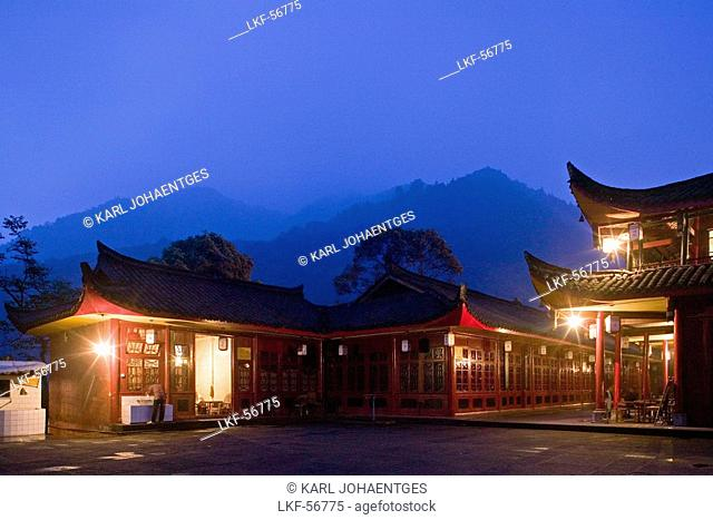 Wannian monastery and temple, pilgrims hostel, small restaurant, Emei Shan, Sichuan Province, Emeishan, Mount Emei, World Heritage, UNESCO, China, Asia