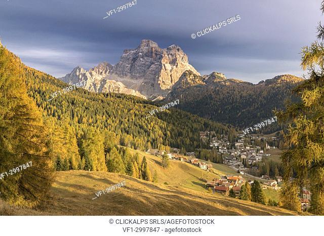 The villages of Pescul and Santa Fosca with the massif of Pelmo in autumn, Selva di Cadore, Belluno, Veneto, Italy
