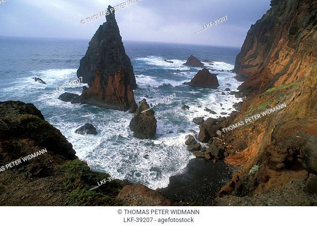Cliff, Ponta do Castelo, Ponta Sao Lourenco, Madeira, Portugal