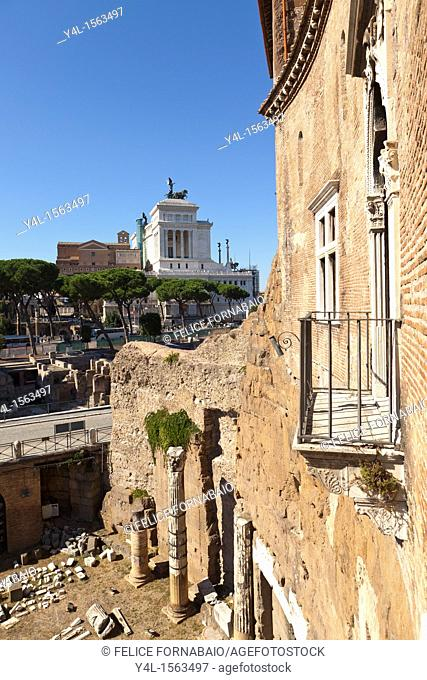 Balcony from Augustus Exedra, with Imperial Forums, Vittoriano and Capitol, Rome