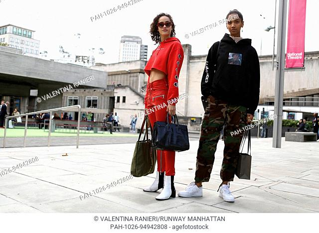 Chic showgoers posing outside of the Roland Mouret runway show during London Fashion Week - Sept 17, 2017 - Photo: Valentina Ranieri ***For Editorial Use...