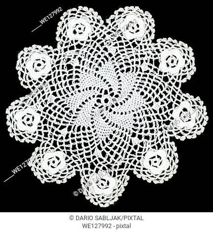 Retro embroidery cutout lace pattern