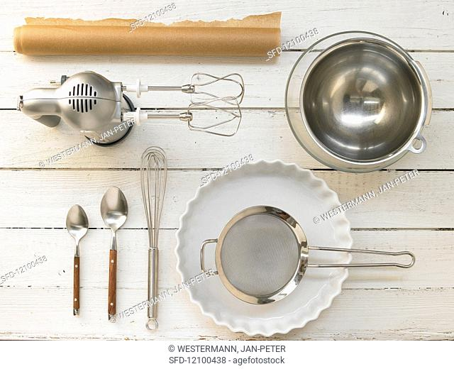 Kitchen equipment for the preparation of a light berry cake