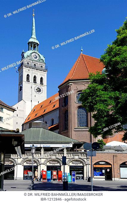 Parish church Saint Peter seen from the Viktualienmarkt market place, Munich, Upper Bavaria, Germany, Europe