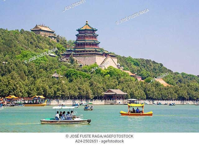 China, Beijin City, The Summer Palace, Longevity Hill, Buddhist Fragance Pavilion, Kunming Lake
