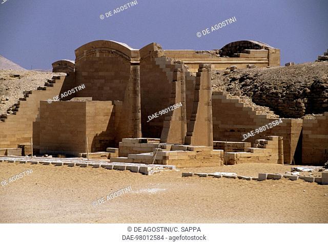 Mortuary complex of the Step Pyramid of Djoser (or Zoser), Saqqara, Memphis (UNESCO World Heritage List, 1979). Egyptian civilisation, Old Kingdom, Dynasty III