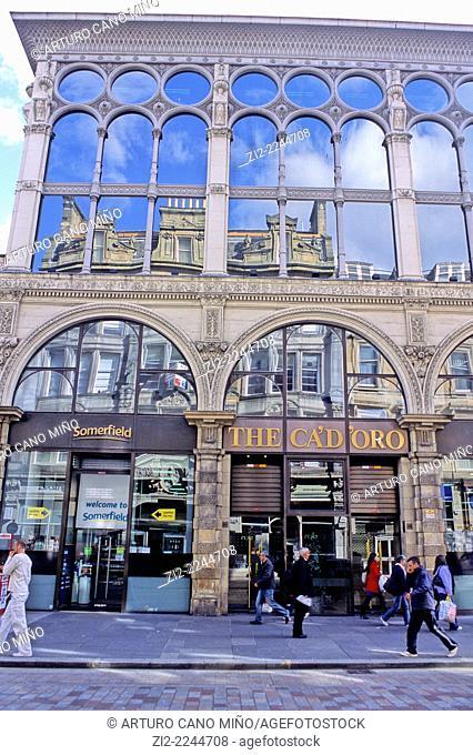 Shopping street at downtown. Glasgow, Scotland, United Kingdom