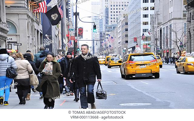 Traffic on 5th Avenue, Midtown Manhattan, New York City, USA
