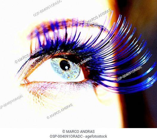 a blue eye lish colored make up