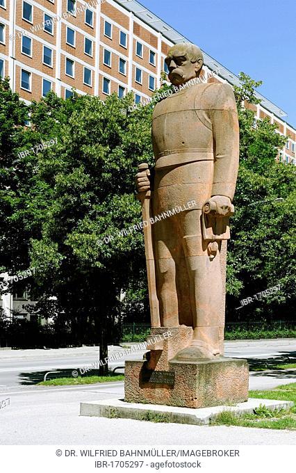 Statue of Chancellor Otto von Bismarck, created by F. Behn in 1931, Erhardstrasse street, Munich, Upper Bavaria, Bavaria, Germany, Europe