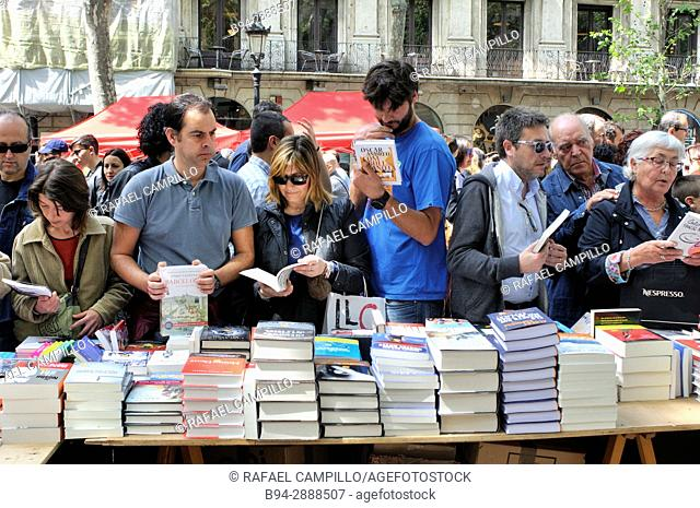 Book stalls in La Rambla, St George's Day. Feast of Saint George 23 of April. Catalan holiday, Barcelona. Catalonia, Spain