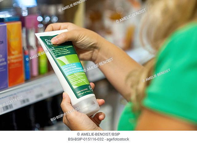 Health food shop. Silicon-free detangling balm