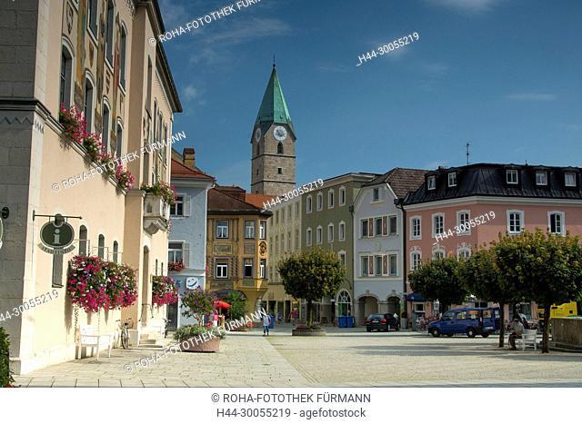 Bayern, Berchtesgadener Land, Berchtesgaden, Bad Reichenhall, Stadt, Reichenhall, Platz, Haus, Gebäude, Architektur, Gebaeude, Sommer, Salz, Sole