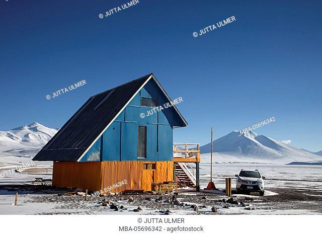 Chile, national park Nevado Tres Cruzes, Ojos del Salado, alpine hut