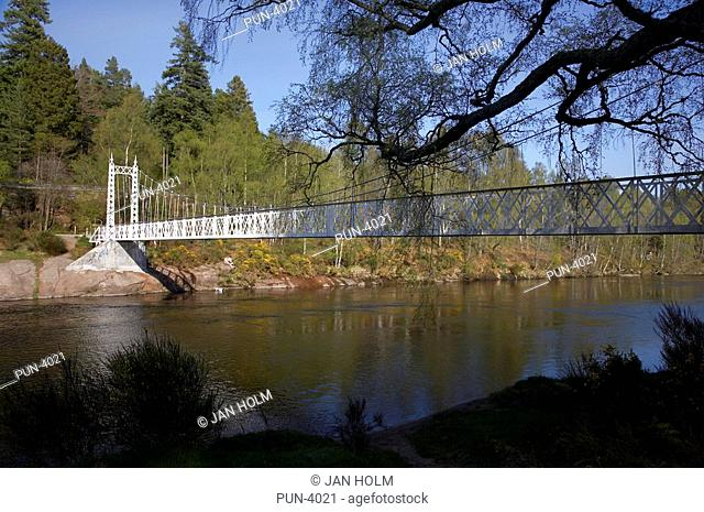 Cambus O'May bridge over the River Dee