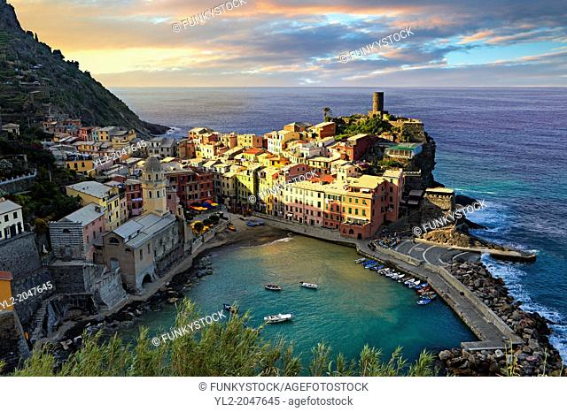 Colorful fishing houses, the fishing port of Vernazza at sunrise, Cinque Terre National Park, Ligurian Riviera, Italy. A UNESCO World Heritage Site
