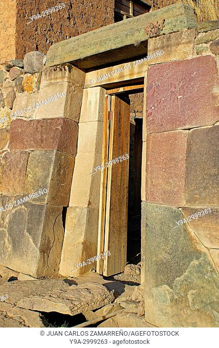 Incan buildings at Ollantaytambo, Urubamba or Vilcanota river valley, Incan Sacred Valley, Cuzco department, Los Andes, southern Peru, South America