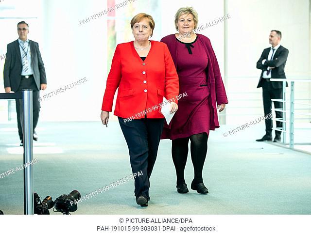 15 October 2019, Berlin: Federal Chancellor Angela Merkel (CDU) attends a press conference alongside Erna Solberg, Prime Minister of Norway