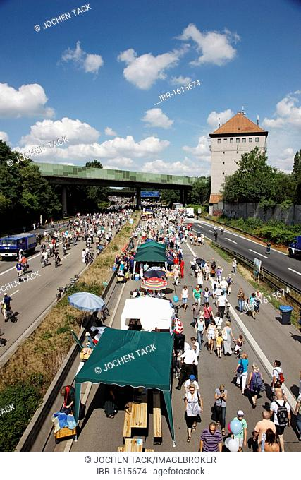 The Duisburg-Kaiserberg junction at the Still-Leben art event on the Ruhrschnellweg A40 motorway, largest event of the Capital of Culture Ruhr2010, Duisburg
