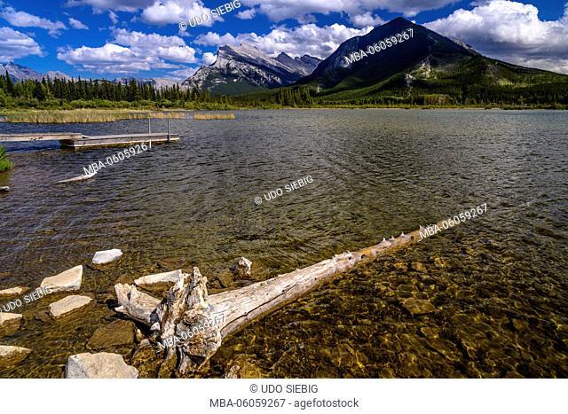 Canada, Alberta, Banff National Park, Banff, Vermilion Lakes against Mount Rundle and Sulphur Mountain