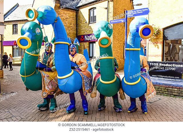 The anarchic and loveable Picto Facto from France perform in a street theatre festival in South Woodham Ferrers town centre