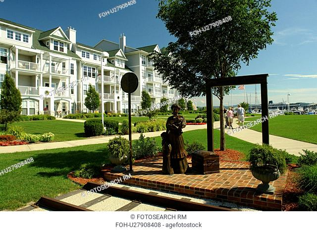 Ludington, MI, Michigan, Lake Michigan, waterfront, condominiums